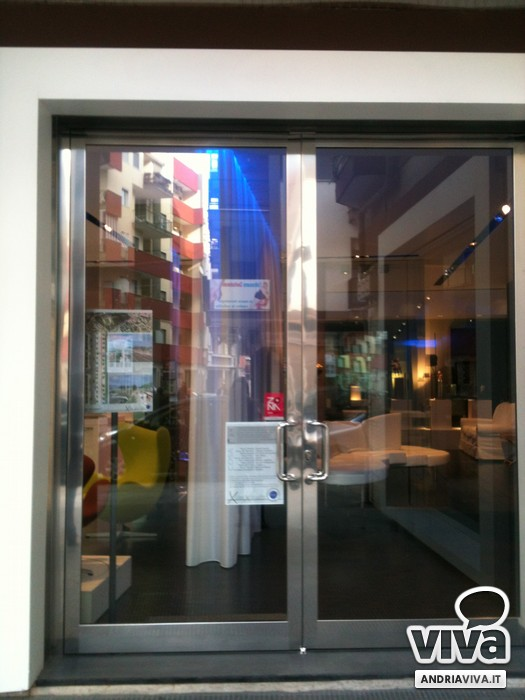 Idee di riqualificazione urbana in vetrina ad andria for Lorusso arredamenti