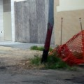 Via Vito Fornari, pali della pubblica illuminaziona