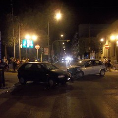 incidente stradale tra corso Cavour e viale Venezia Giulia