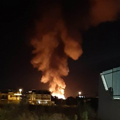 incendio a deposito di pedane in via Bisceglie angolo via Da Villa