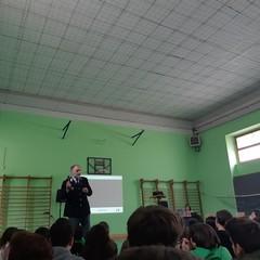 """Alla scuola """"P.N.Vaccina"""" incontro di sensibilizzazione all'uso consapevole di internet-cyberbullismo"""