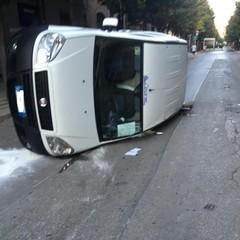 incidente stradale tra corso Cavour e via Torino