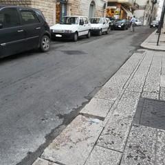 basola pericolosa in via De Anellis angolo via Museo del Confetto