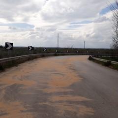 Tangenziale via Corato chiusa per sversamento olio su carreggiata