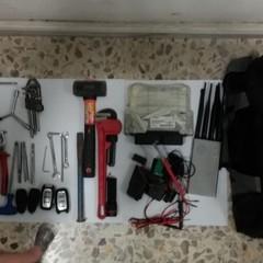 arnesi atti allo scasso recuperati dai Carabinieri