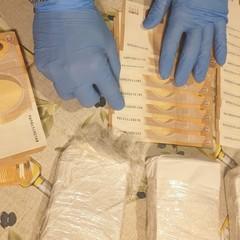 materiale sequestrato dalla Polizia di Stato