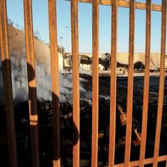 incendio domato deposito di pedane in legno in via Bisceglie