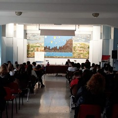 """incontro presso l' Istituto Comprensivo """"Mariano Fermi"""""""