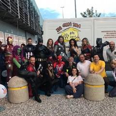 I volontari dell'Associazione In.con.Tra. all'opera per la festa di Megamark S.p.A.
