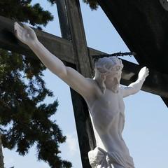 Riconsegnato alla città il  Cristo deturpato