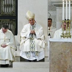La Cattedrale di Andria gremita di fedeli per venerare la Madonna