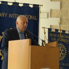 Il Governatore Rotary Sergio Sernia presenta l'assemblea distrettuale di Puglia e Basilicata