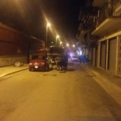 Paura in via Martiri di Belfiore per una fuga di gas da un'autovettura in transito