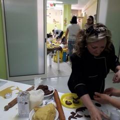 """Festa della mamma, arrivano i piccoli chef all'asilo """"Primi passi"""""""