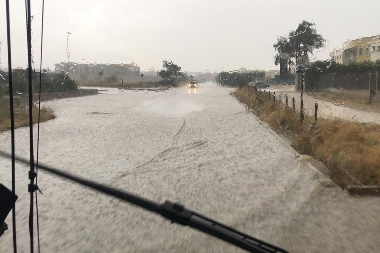 grandinata e forte pioggia su Andria