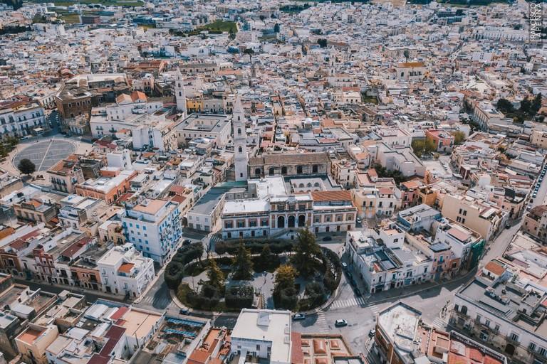 Piazza Municipio vista dall'alto. <span>Foto Francesco Lapenna</span>
