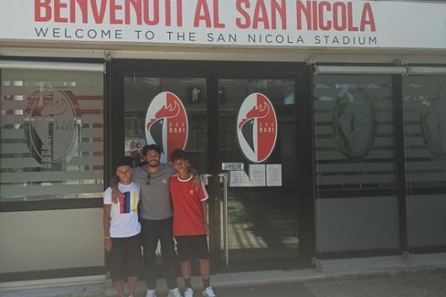 Luca Frezza e Luca Monterisi con mister Vito Di Bari