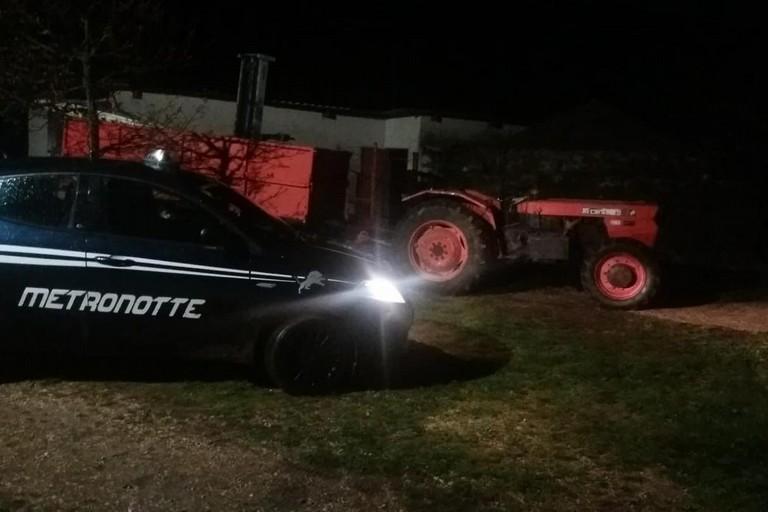 Assalto ad una masseria sulla Corato-Altamura, trattore ritrovato nelle campagne di Andria