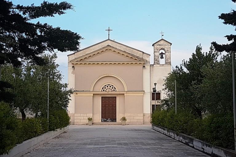 Chiusura estiva  della Chiesa Santa Lucia di Andria (Foto Riccardo Di Pietro)
