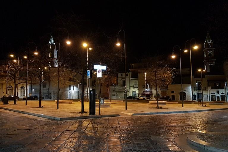Una deserta Piazza Catuma durante l'emergenza Coronavirus. <span>Foto Antonio D'Oria</span>