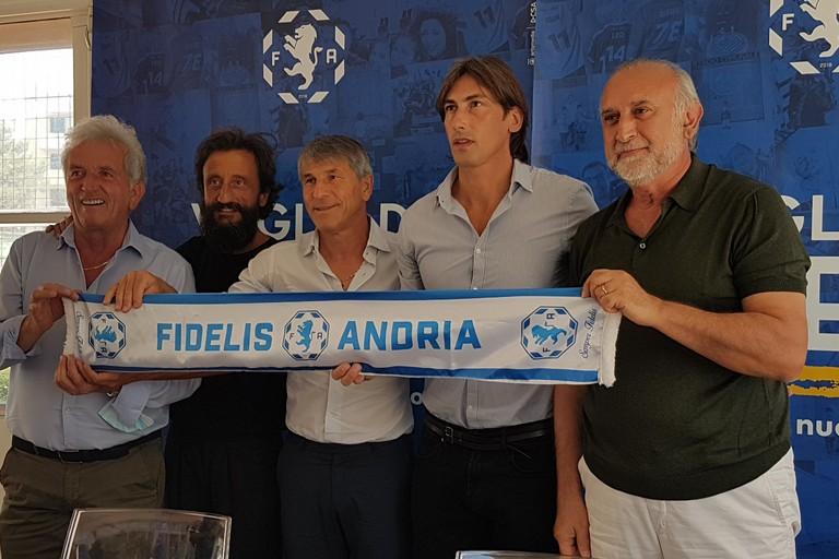 Presentato il nuovo tecnico biancazzurro Luigi Panarelli. <span>Foto Antonio D'Oria</span>