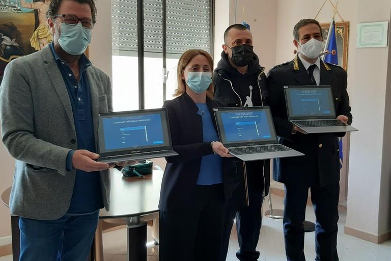 Tre computer portatili donati alla Polizia locale dal deputato D'Ambrosio