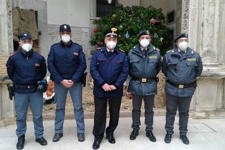 Appartenenti a Polizia di Stato, Arma dei Carabinieri e Guardia di Finanza