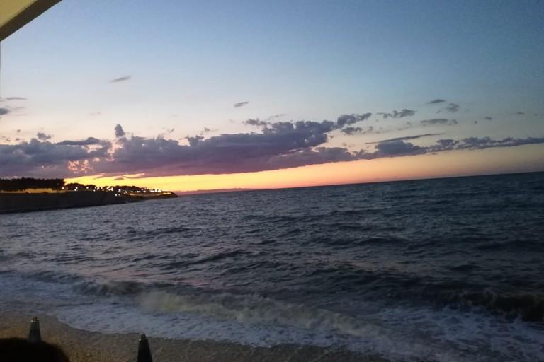 tramonto sul mare. <span>Foto Vincenzo Cassano</span>