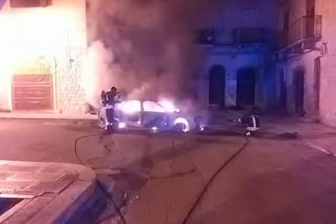 incendio autovettura piazza Sant'Agostino