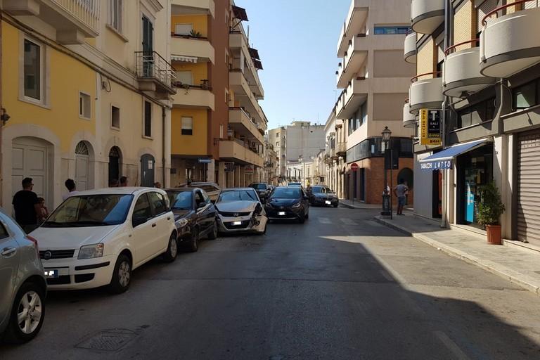 incidente stradale in via Salvator Rosa con via Gioacchino Poli