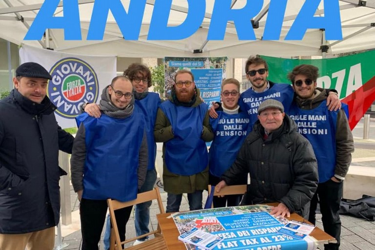 Gilet azzurri, Forza Italia: questo week end in piazza contro la manovra del governo Conte