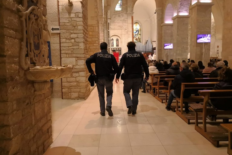 Polizia di Stato in servizio o.p.nelle chiese di Andria