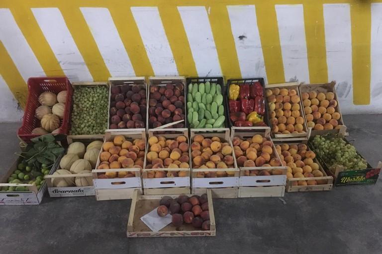 frutta e verdura sequestrata
