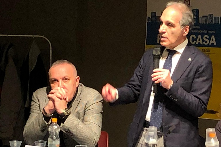 da sx il notaio Sabino Zinni con l'ass. Alfonso Pisicchio
