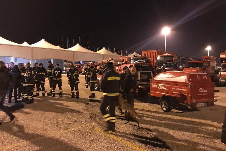 Volontari di Andria nella colonna mobile pugliese partita per Durazzo