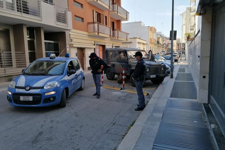 Militari e poliziotti impegnati in servizi di controllo del territorio