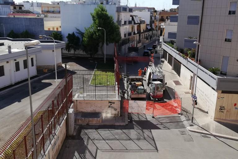 Fuga di gas in via Rovito: ancora la lavori i tecnici dell'Italgas