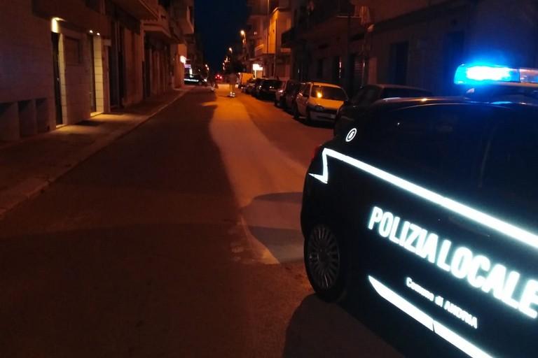 Sversamento olio sull'asfalto: chiusa per alcune ore via Mascagni
