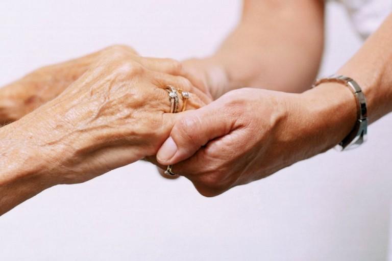 assegno si cura, anziani