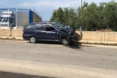 """Incidente sull'Andria Corato: Fiat Palio tampona trattore, due feriti trasportati al """"L. Bonomo"""""""