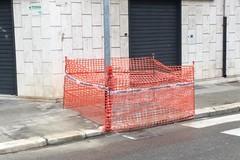 Finalmente sistemato marciapiede e posizionato palo illuminazione in viale Istria angolo via Bonomo