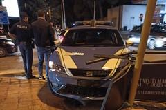 Incidente stradale per una volante della Polizia di Stato, causa semaforo spento