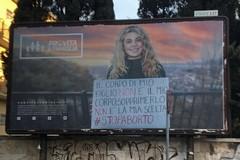 Assessore Colasuonno: «Il manifesto antiabortista in viale Europa va rimosso»