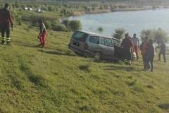 Scivola auto nella diga del Locone. Intervento dei Federiciani e VV.F.