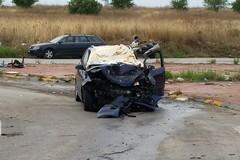 In viaggio verso una sala ricevimenti andriese: 2 morti e 4 feriti