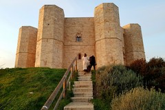 """Conferenza a Castel del Monte dell'ingegnere Antonio Anelli: """"Dall'8 all' infinito"""""""