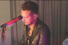 Il musicista andriese Raffaele D'Ercole reinterpreta una nota canzone di Bruno Mars