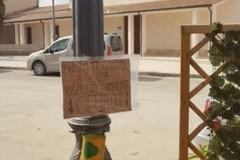 L'associazione 3Place dona 6 barattoli portamozziconi alla borgata di Montegrosso