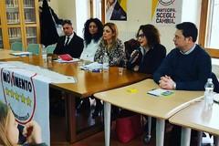Nuovo Governo, i vertici del Movimento 5 Stelle a Bisceglie, in piazza Regina Margherita