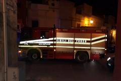 Surriscaldamento di alcuni quadri elettrici: incendio circoscritto a centrale elettrica in via Vecchia Barletta